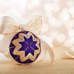 Návod na vánoční kouli z falešného patchworku