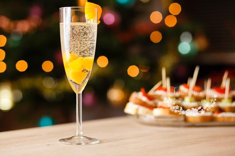 Šampaňské s broskvemi