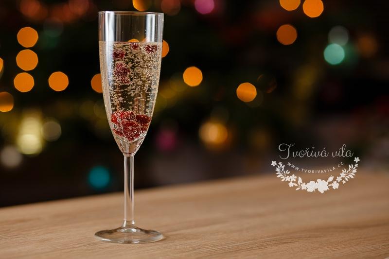 Šampaňské s brusinkami