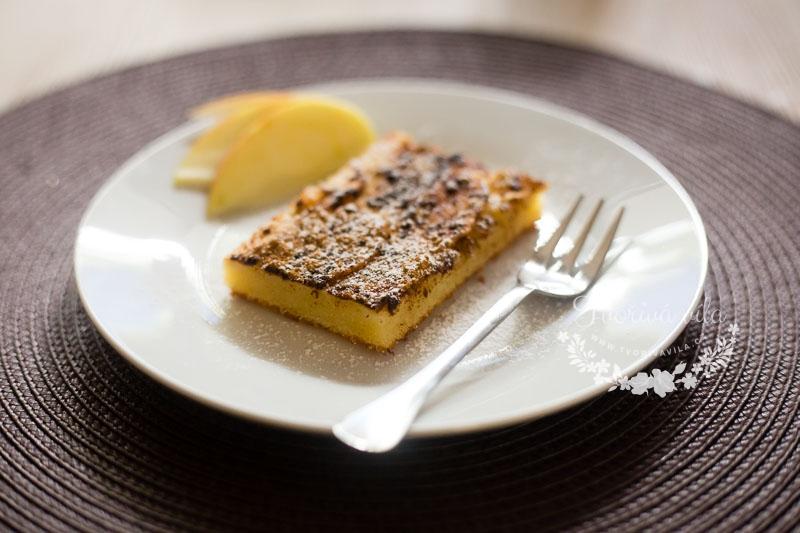 Jablečný tvarohový koláč