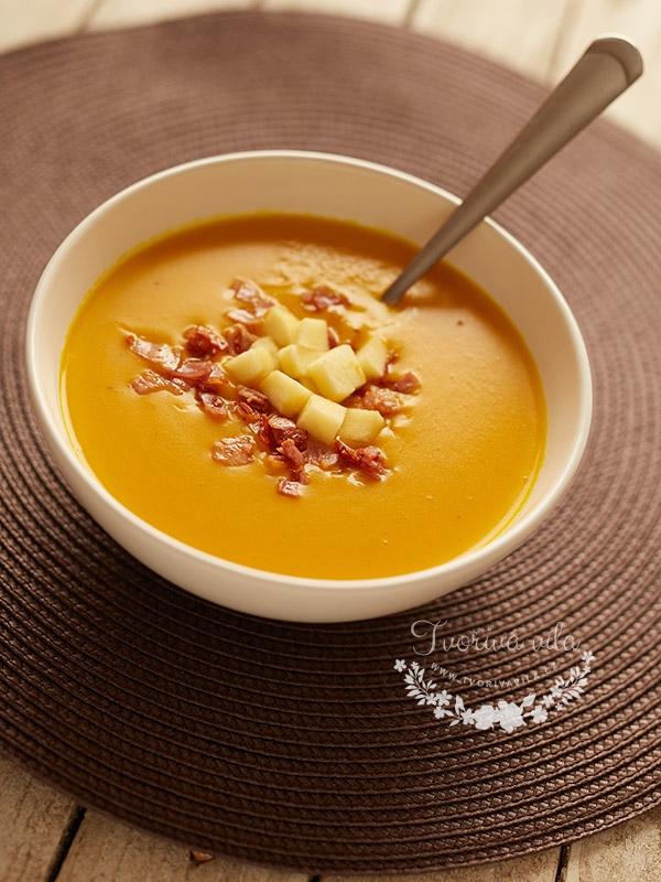 Podzimní dýňová krémová polévka