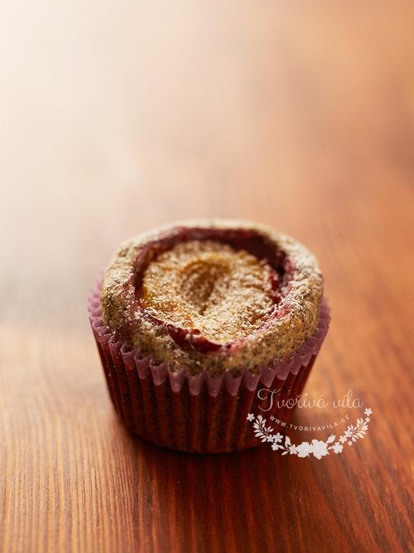 Makový muffin se švestkou